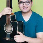 Toronto Music Teacher Jai Gabison. Baby, toddler and preschool music teacher